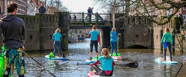 Suppen in Den Haag tijdens de Sup Clean Up