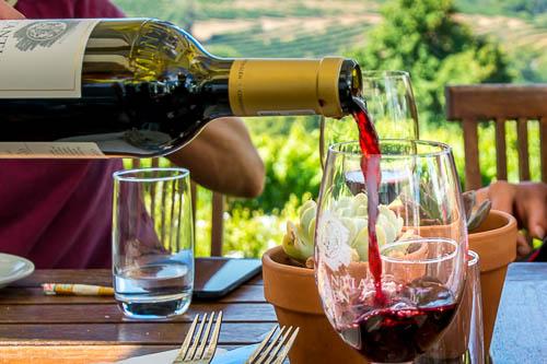 wijnproeverij Den Haag dames sommelier prive