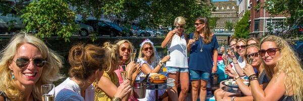 Wijn Boot Den Haag vriendinnen