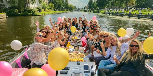 Vrijgezellenfeest vrouwen Den Haag partyboot Den Haag