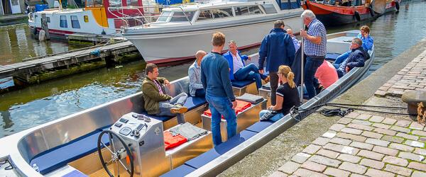 nieuwe elektrische rondvaartboot - Rondvaart Den Haag elektrisch varen