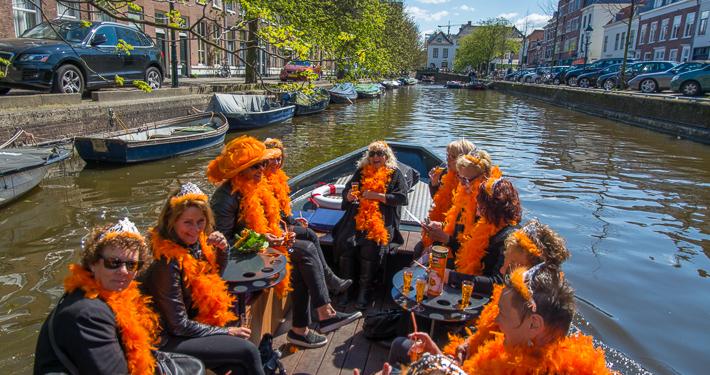 Koningsdag vieren in Den Haag Scheveningen