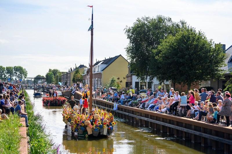 Bloemencorso Boot Varen Den Haag