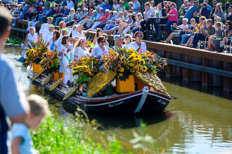 Boot Huren Bloemencorso Den Haag