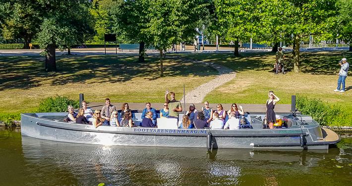 Rondvaartboot elektrisch varen in Den Haag