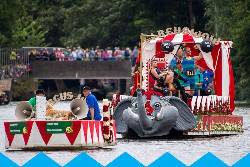 Unieke boten in Den Haag Bloemencorso