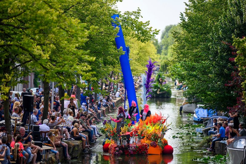 Varen in Den Haag tijdens Varend Corso