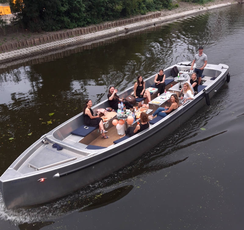 Corona Proof uitje Rondvaart Den Haag Covid-19 vrijgezellenfeest